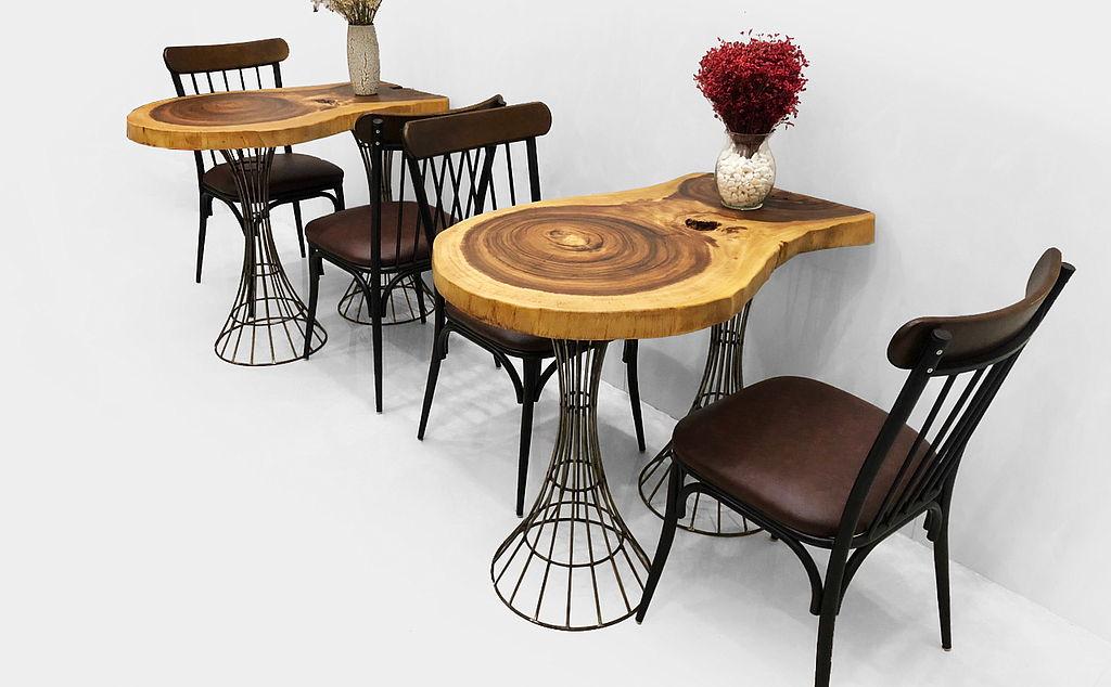 Bàn cafe tròn gỗ me tây chân sắt đẹp