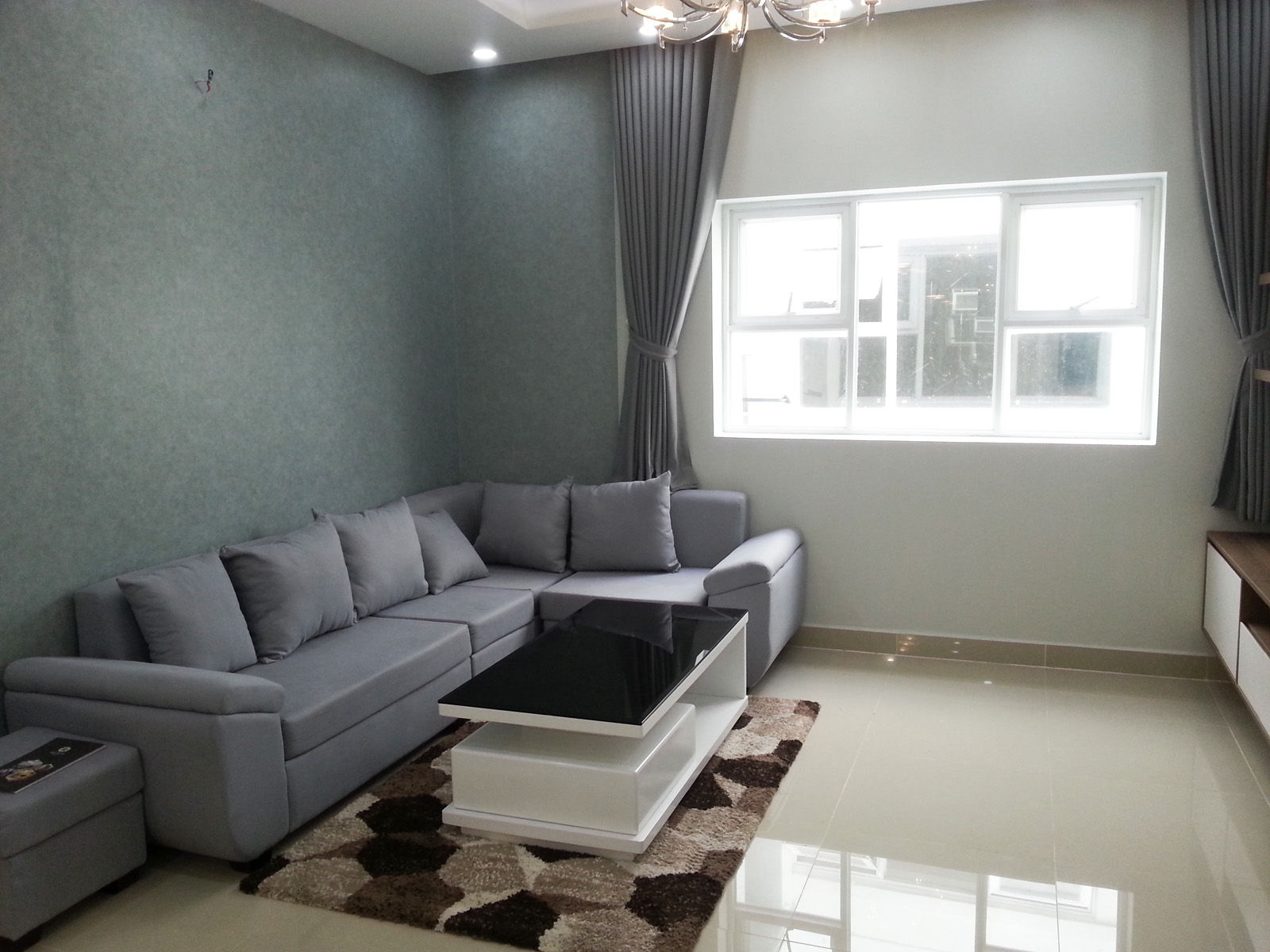 Phòng khách thực tế nhà mẫu căn hộ Oriental Plaza