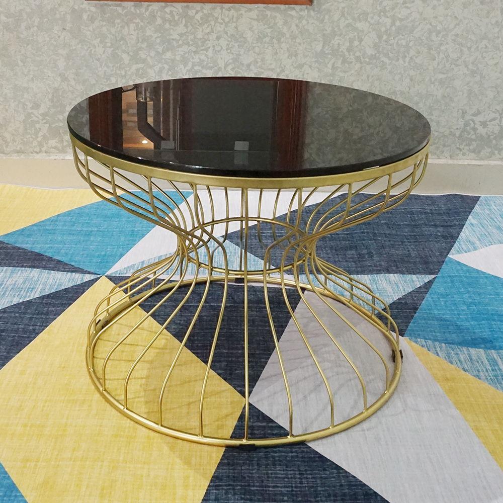 Bàn Sofa Đồng Hồ Cát khung sắt vàng đồng mặt kính đen
