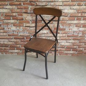 Ghế cafe gỗ cao su chân sắt lưng tựa thanh chéo