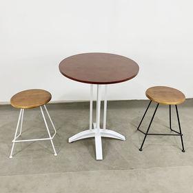 CBCF027 - Bộ bàn cafe tròn gỗ cao su và 2 ghế đôn sắt gỗ