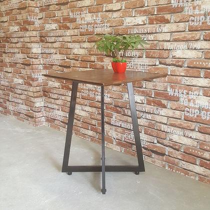 Bàn cafe gỗ cao su chân sắt hình vuông