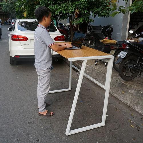 SFBD002- Bàn làm việc đứng gỗ TRE ÉP chân sắt hình thang cao 105cm