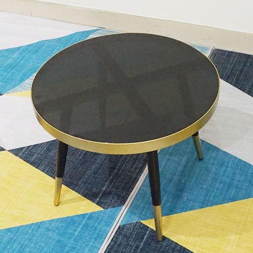 SFBT022 - Bàn Sofa CONE 4 chân mặt kính